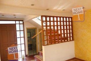 Casa en venta en Colonia Cuajimalpa de 3 niveles.