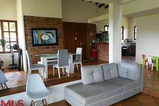 Casa en venta en Acuarela de 5 habitaciones