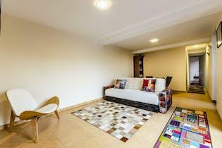 Apartamento remodelado con acabados modernos y con Hall de entrada 67.39m2