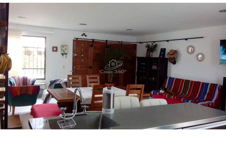 Portada Casa en venta en Circunvalar de 2 niveles.