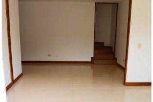 Casa de 120m2 en Medellin, Belén La Mota - de tres niveles