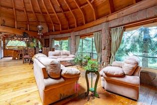 Casa en venta en Santa Rosa Xochiac de tres habitaciones