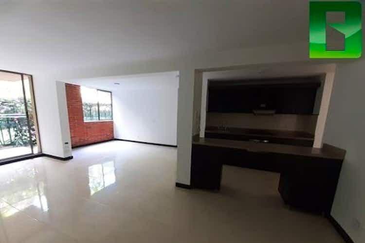 Portada Apartamento en venta en Loma de los Bernal de 98m2.