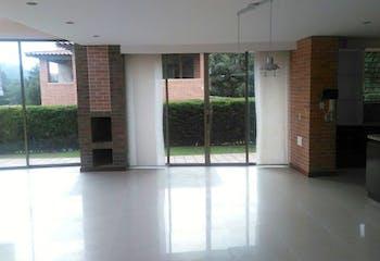 Casa en Venta en Loma del Escobero de 1076 mt2.