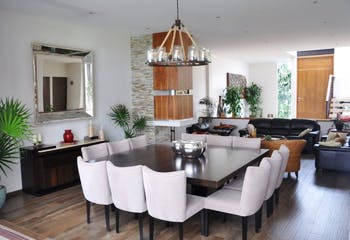 Casa en venta en Fracc Lomas Country Club, 584mt de dos niveles.
