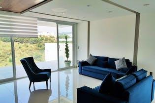 Casa en venta en Res Chiluca, 550mt de tres niveles.