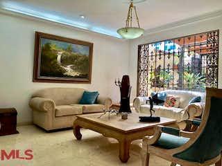 Una sala de estar llena de muebles y una ventana en Villas Del Country
