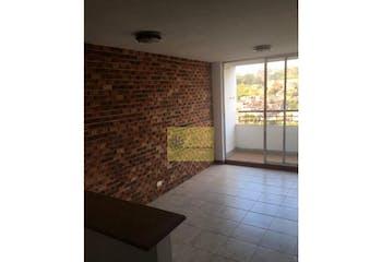 Apartamento en venta en Loma De Los Bernal con acceso a Balcón