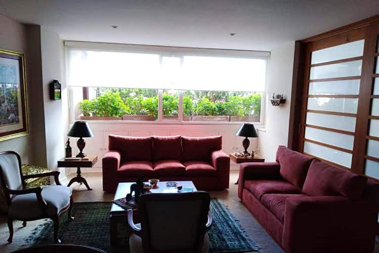 Portada Apartamento En Venta En Rosales de 465 mt3.
