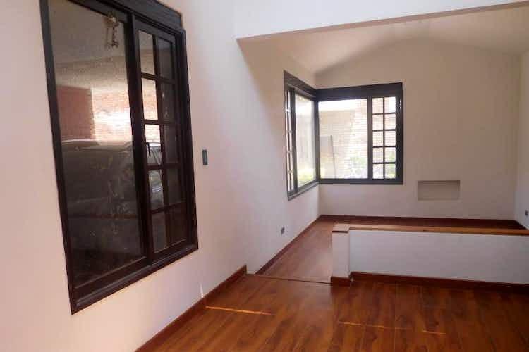 Portada Casa en venta en Bogota Cedritos  4 habitaciones