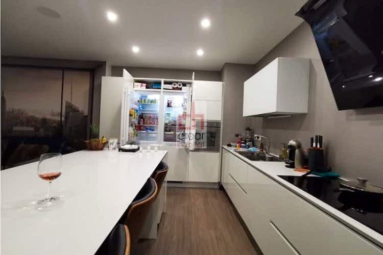 Portada Apartamento en venta en Santa Paula de 138mt2 con terraza.