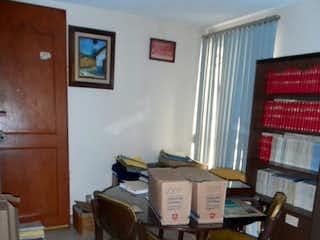 Una habitación que tiene una mesa de madera en ella en Departamento en venta en Acacias, 91mt