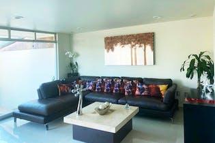 Casa en venta en Presidentes Ejidales, 372mt de cuatro niveles