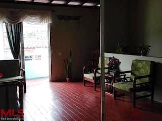 Una sala de estar con un sofá y una mesa en No aplica