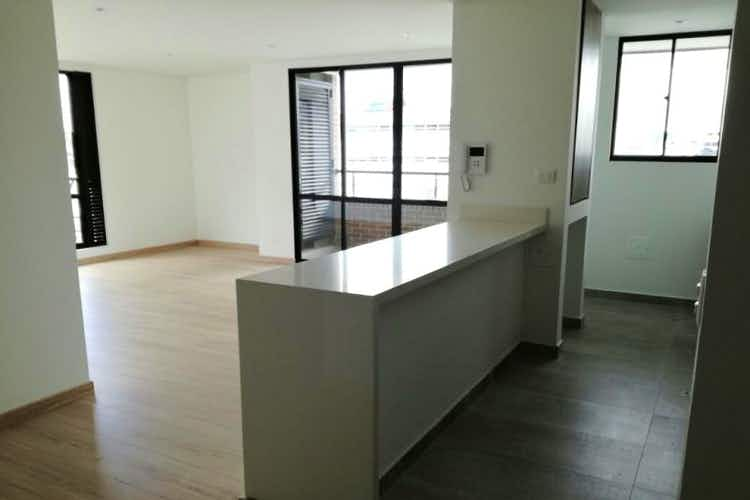 Portada Apartamento en venta en La Castellana, 86mt con balcon