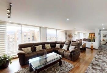 Apartamento En Venta en Gilmar, de 178mtrs2 con balcón y chimenea