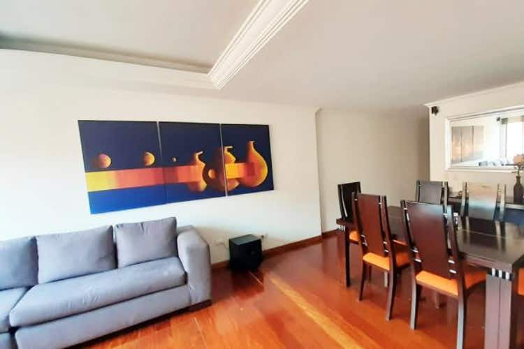 Portada Apartamento En Venta En Santa Helena, de 89,96mtrs2 con chimenea