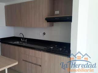 Cocina con fogones y microondas en Apartamento en venta en Belen Centro, 95mt con balcon