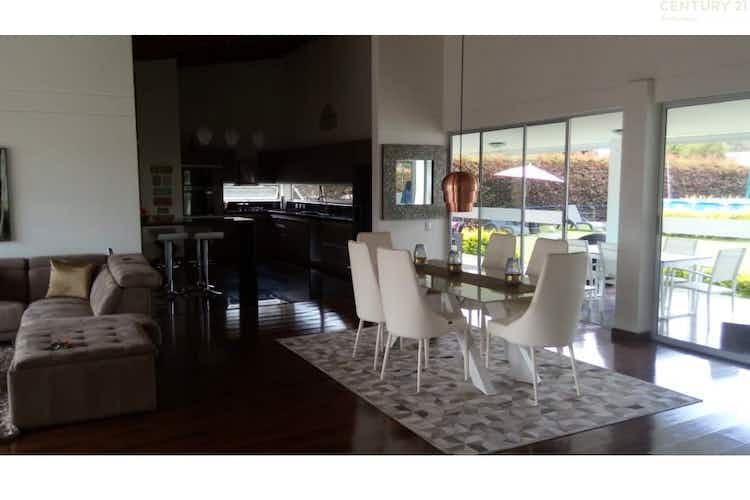 Portada Casa en venta en Tres Puertas de 350 mts2