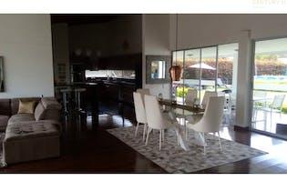 Casa en venta en Tres Puertas 1550m² con Piscina...