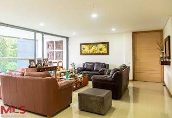 Apartamento en Loma de Benedictinos, Envigado - 205mt, tres alcobas, balcon