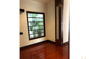 Apartamento en venta en Chicó Navarra de 125mt2 con balcón.