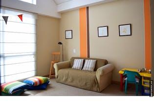 Casa en en venta en Casco Urbano Chía con patio.