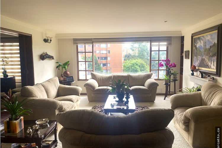 Portada Apartamento en venta en Barrio Niza de 250m2.