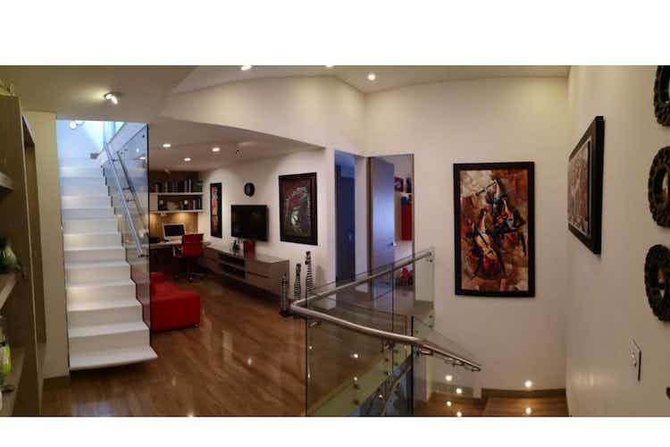Portada Casa en venta en Pontevedra de 309 mt2. con 2 niveles