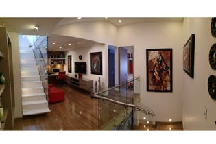 Casa en venta en Pontevedra de 309 mt2. con 2 niveles