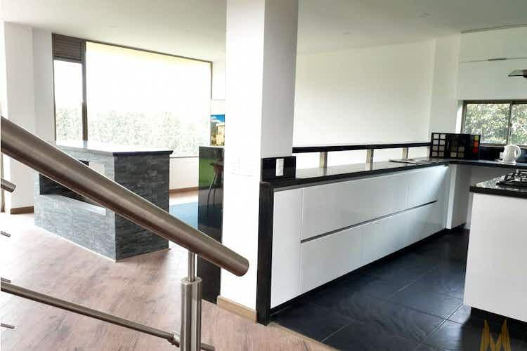 Portada Casa en venta en Canelón de 763.67mt2. con patio.