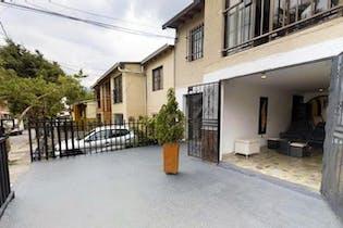 Casa en venta en Caldas, Con 3 habitaciones- 93mt2