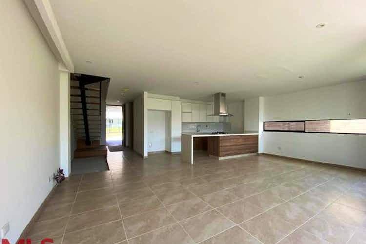 Portada Casa en venta en Loma del Atravezado, 235mt de dos niveles.