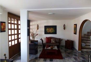 Casa en venta en Batán 240m²
