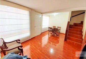 Casa en venta en Colina Campestre, 70mt de tres niveles.