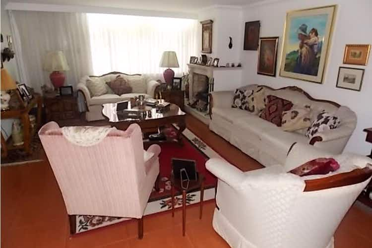 Portada Casa en Bogotá-Cedritos, con 2 Habitaciones - 250 mt2.
