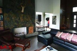 Casa en venta en San Nicolás-Rionegro de 348.15 mt2.