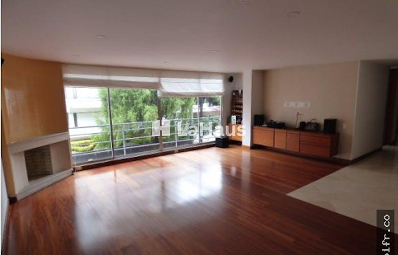 Portada Apartamento con balcón, en Usaquén de 135m2