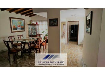 Casa en venta en Simón Bolívar 231m² con Balcón...