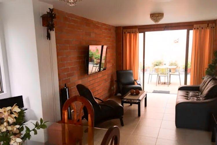 Portada Casa en venta en  Surámerica de 2 niveles.