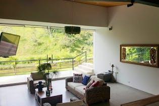 Casa en Venta en Casco Urbano El Carmen de Viboral, de 646mtrs2