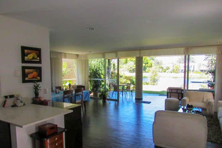 Portada Casa en venta en Llanogrande con terraza