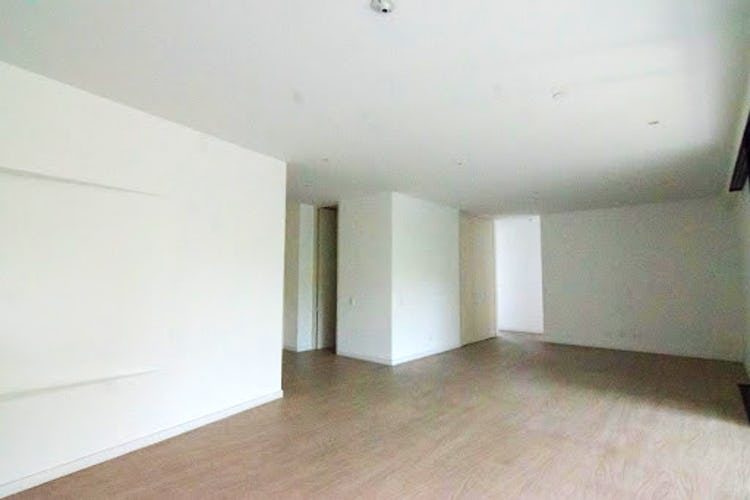 Portada Apartamento en venta en Las Lomas con balcón.