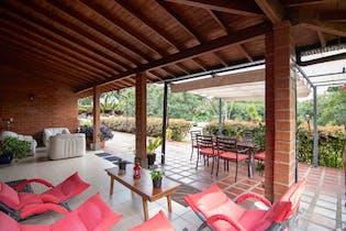 Casa en Venta en Carrizales, de 295mtrs2 con chimenea