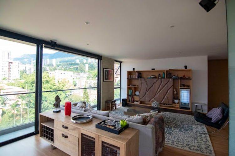 Portada Apartamento en venta en San Lucas con balcón.