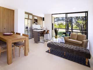 Una sala de estar llena de muebles y una ventana en Forest etapa 2
