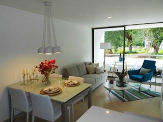 Una sala de estar con una mesa de comedor y sillas en Apartamento en venta en El Retiro 2 habitaciones