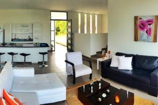 Casa en Venta en Casco Urbano Guarne, de 168mtrs2