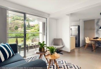 Apartamento en venta en Loma de los Bernal de tres habitaciones