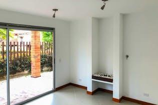 Casa en Venta en Casco Urbano El Retiro de 150mt2 con balcón.